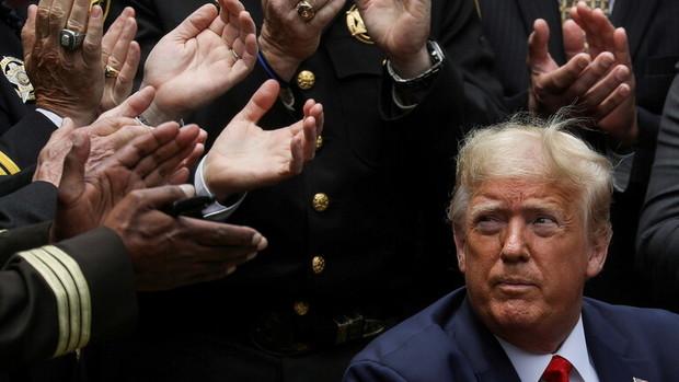 گرفتار شدن  یاران ترامپ در منگنه انتقام و دادگاه