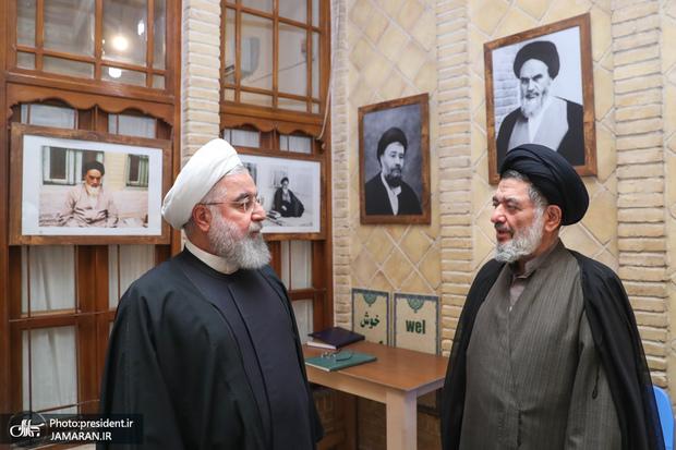 روحانی: حجتالاسلام والمسلمین محتشمیپور جزو پیشگامان نهضت امام خمینی(ره) بود