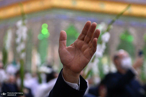 حضور خادمان حرم مطهر رضوی در حرم امام خمینی(س)