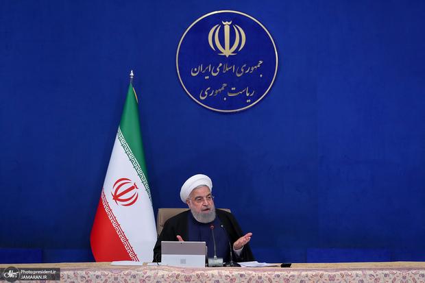 روحانی: به دروغ گفتند دولت، هستهای را فروخته است/ چرا درباره پیروزیهای مردم فیلم نمیسازید؟