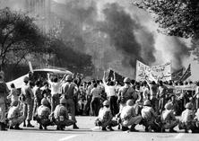 الثورة الاسلامیة و اقامة نظام توحیدی و شعبی دینی