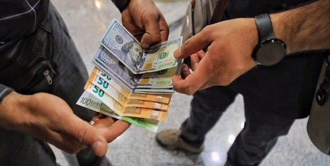 12 اخلال گر بازار ارز در دام پلیس