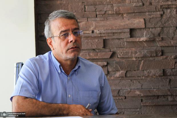 نماینده پیشین اهواز: خوزستان با چوب و تفنگ و تشر اداره نمی شود/ صدای مردم به جایی نمی رسد