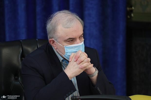 دفاع وزیر بهداشت از استفاده جهانپور از کلمه «پفیوز»