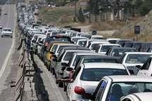 ترافیک محورهای خروجی مشهد نیمه سنگین و عمده جاده های استان پرحجم است