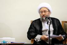 آیتالله آملی لاریجانی: نام و تصویر قضات متخلف در رسانهها منتشر خواهد شد/ فساد در کشور سیستماتیک نیست