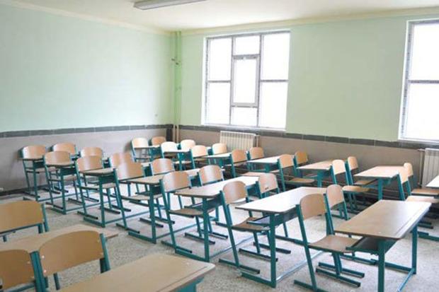 برف و سرما برخی مدارس استان مرکزی را به تعطیلی کشاند