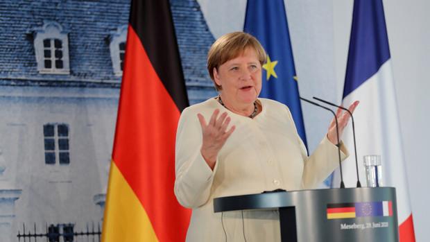 چرا صدر اعظم آلمان ماسک نمی زند؟