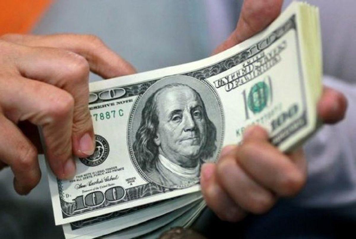 چرا امروز قیمت دلار کم شد؟/ چرا سیگنالهای منفی تاثیر برعکس روی بازار ارز داشتند؟