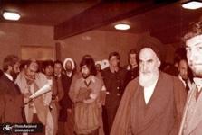 روایتی از بازگشت امام خمینی (س) به ایران با قانون اساسی