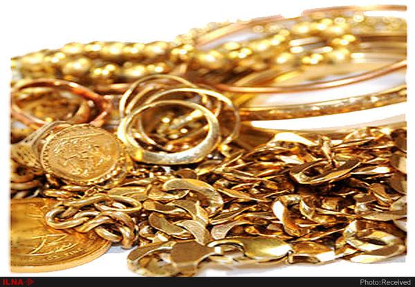 امانتداری پلیس وظیفه شناس در ارومیه  تحویل کیف حاوی طلا به صاحبش