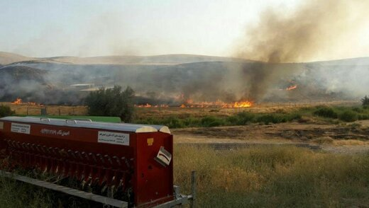 ۲۵ هکتار از مراتع و اراضی کشاورزی تکاب در آتش سوخت