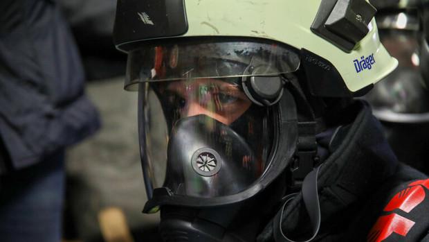 انفجار و آتش سوزی مهیب در یک بندر ایتالیا