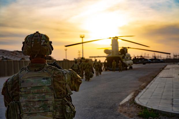 خروج نیروهای آمریکا از افغانستان آغاز شد