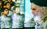 اجرای سرود ویژه مبعث به وسیله بچه های آباده در حضور امام خمینی(س)
