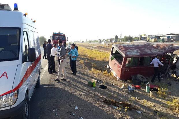 علت حادثه سقوط مینیبوس به درهای در الیگودرز مشخص شد