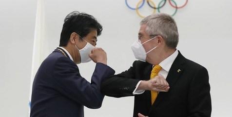 نشان طلای المپیک به نخست وزیر سابق ژاپن اهدا شد+ عکس