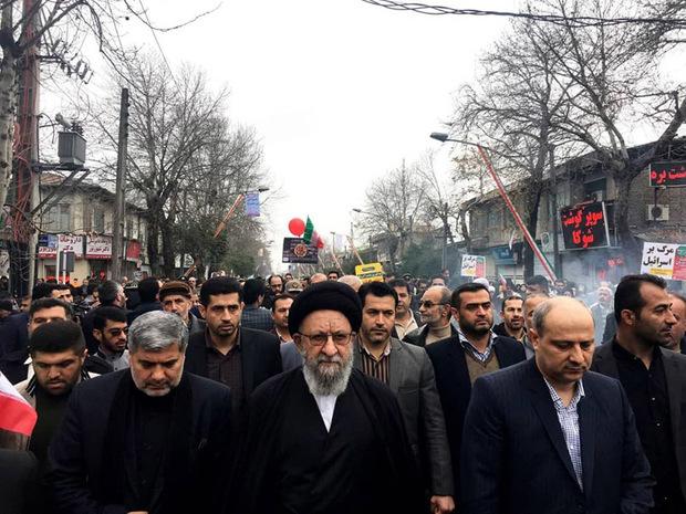 استاندار گلستان: ملت ایران از آرمانهای خود کوتاه نمی اید