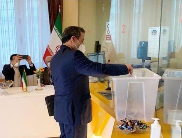 اهمیت مشارکت در انتخابات برای سیاست خارجی از زبان عراقچی