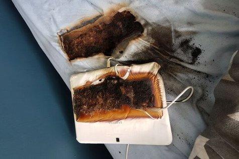 تبلت سامسونگ رختخواب پسربچه را سوزاند!/ عکس