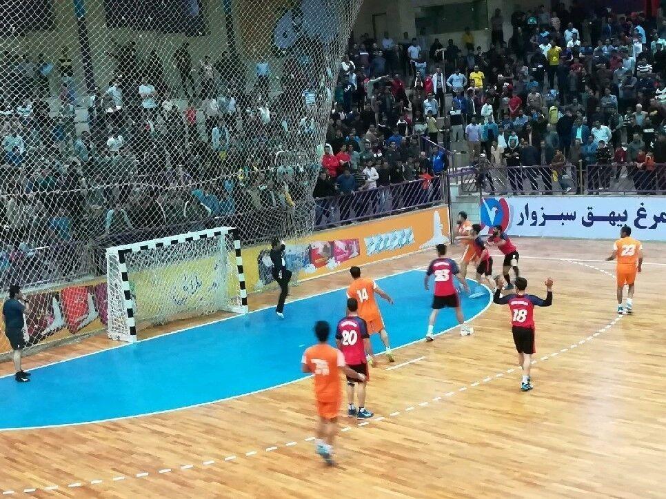 تیم هندبال زاگرس مقابل مس کرمان نتیجه را واگذار کرد