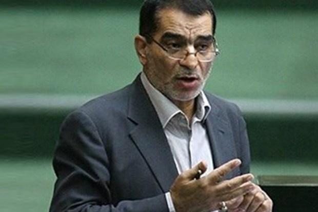 واکنش یک اصولگرا به کاندیداتوری وزرای احمدینژاد و بقایی: آرزو بر جوانان عیب نیست