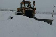 برف راه 20 روستای آذربایجان غربی را بست
