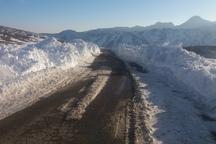 جاده های شمالی شاهرود سفیدپوش شد