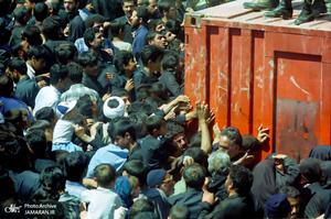 تصاویری منتشر نشده از مراسم تشییع حضرت امام(س)