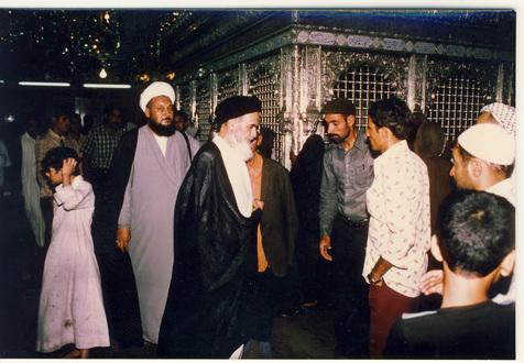 اولین مکانی که امام در نجف به آنجا رفتند، کجا بود؟