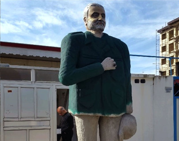 ماجرای بی پایان تندیسهای بیکیفیت سردار سلیمانی: ترمز این شرمساری هنری را بکشید! + تصاویر