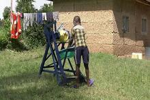 دستگاهی که دانشآموز کنیایی برای مقابله با کرونا اختراع کرد