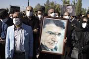 عکس/ حامد بهداد در مراسم تشییع پیکر استاد محمدرضا شجریان