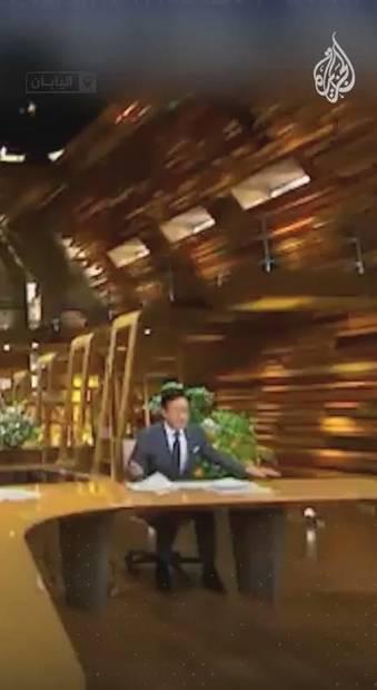 خواندن خبر در حین زلزله 6 ریشتری !