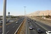 ترافیک سنگین آزادراه ساوه-تهران  چالوس-کرج، جمعه یکطرفه است