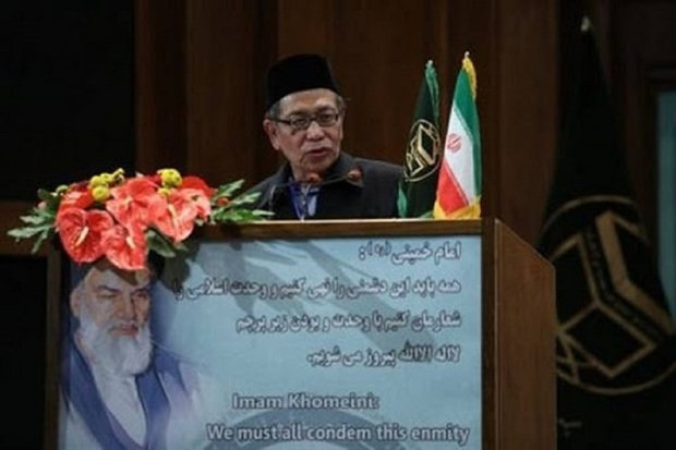 رهبر شیعیان اندونزی بر اثر کرونا درگذشت
