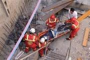 کارگر یزدی به علت سقوط بالابر فوت کرد