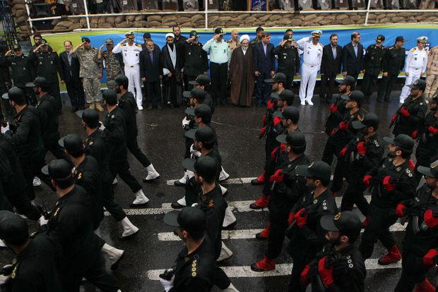 برگزاری مراسم رژه نیروهای مسلح در رشت