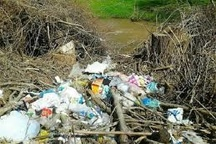 شهروندان از رها کردن زباله در حاشیه رودخانه ها و کانال ها پرهیز کنند