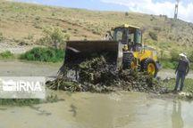 تخریب سازههای غیرمجاز در بستر رودخانههای گیلان